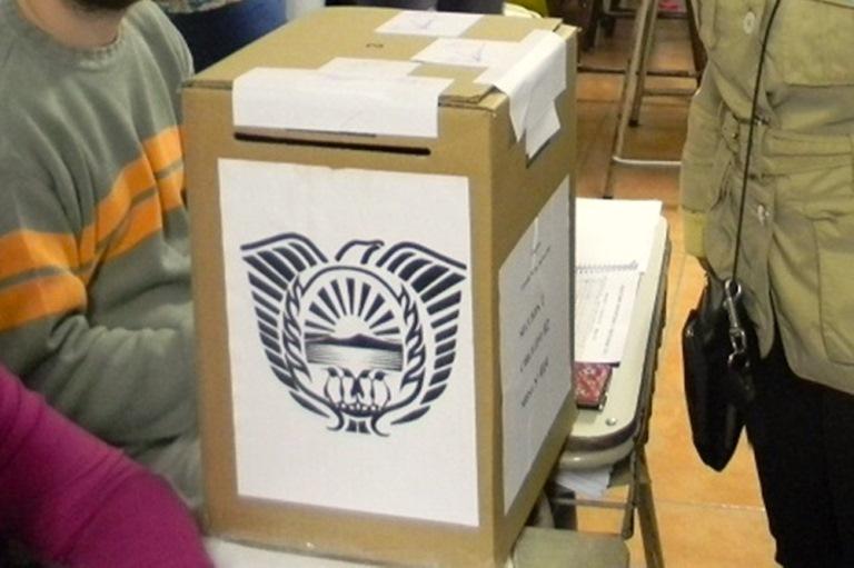 ceb0b444776ff4 El próximo domingo se realizarán los comicios electoral en Tierra del  Fuego, donde se elegirá al nuevo Gobernador, a los intendentes de Ushuaia,  ...